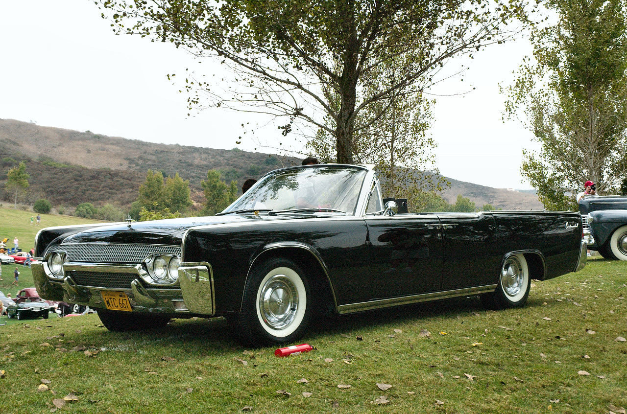 1961 lincoln continental convertible black fvl. Black Bedroom Furniture Sets. Home Design Ideas