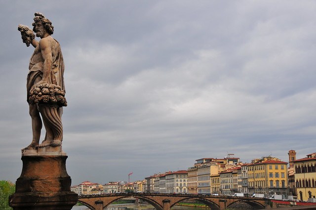 Autumn Statue on Ponte Santa Trìnita