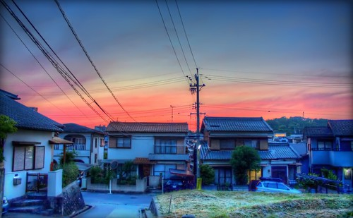 sunset red sky japan night photoshop canon aperture cityscape 日本 hdr aichiprefecture japanesehouse honshu 愛知県 fav10 mikawa photomatixpro 岡崎市 eos450d 本州 davidlaspina rebelxsi kissx2 1855efsis topazadjust okazakicity japandave japandavecom 三河国