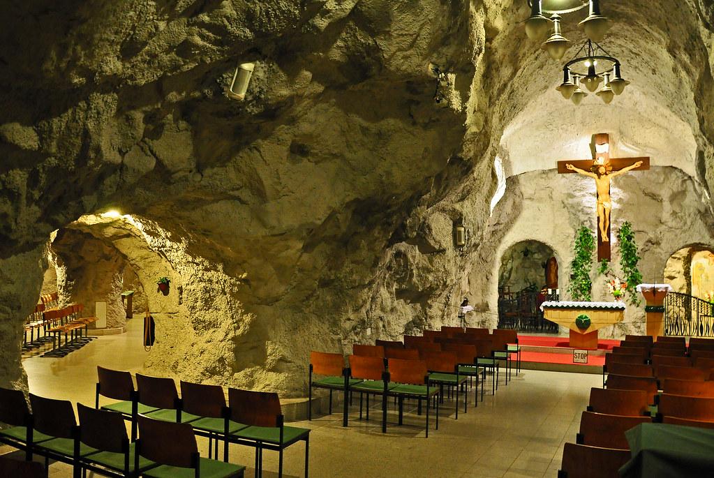 Cueva iglesia