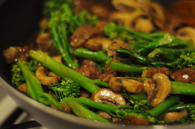 beef in oyster sauce with mushrooms and broccolini