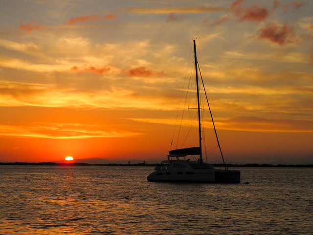 Barrier Reef - Sailing Tour - Belize