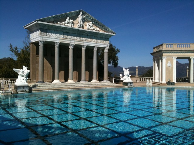 the origin and history of hearst castle The hearst castle theater's 40-minute show tells the story of hearst castle and is a good addition to the site tour the hearst castle app gives you an in-depth history and notifies you when important or interesting things are nearby.