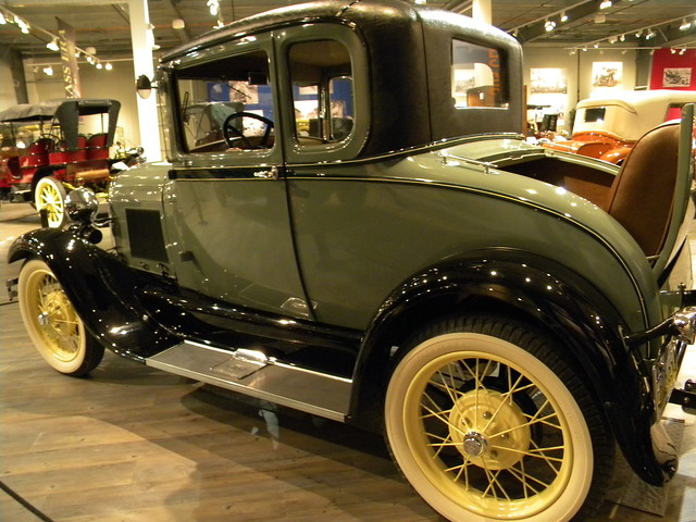 ANTIQUE CAR MUSEUMS: LISTED BY LOCATION - ANTIQUE AND CLASSIC CARS