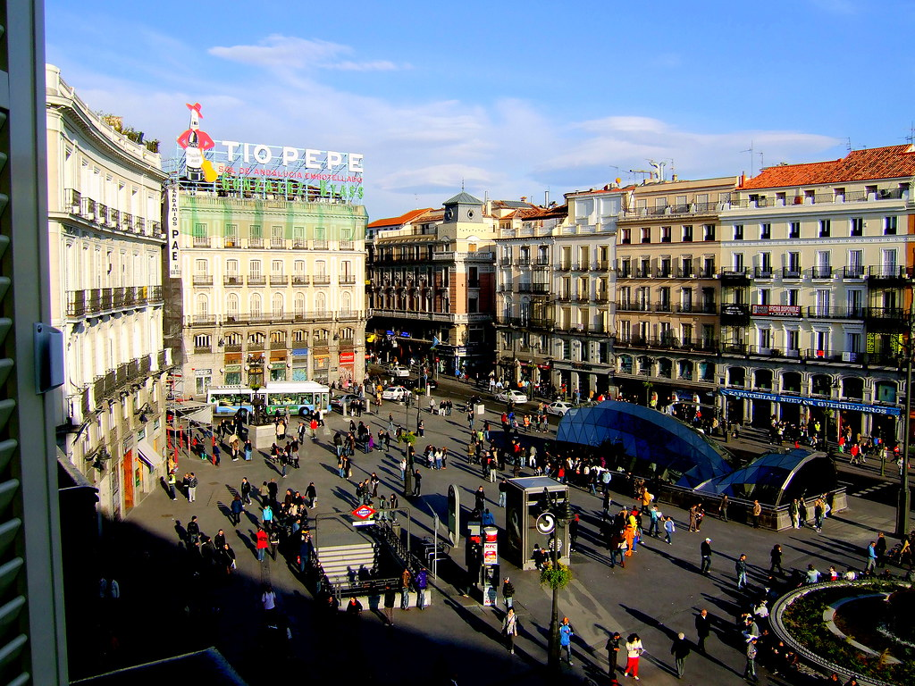 Puerta del sol plaza madrid flickr photo sharing for Plaza puerta del sol