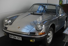 convertible(0.0), supercar(0.0), automobile(1.0), vehicle(1.0), performance car(1.0), automotive design(1.0), porsche 912(1.0), porsche(1.0), porsche 911 classic(1.0), land vehicle(1.0), coupã©(1.0), sports car(1.0),