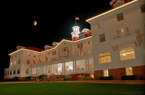 moon night tour shot ghost stephenking hunt theshining stanleyhotel