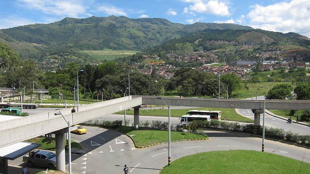 Mountain views from Niquia metro station.