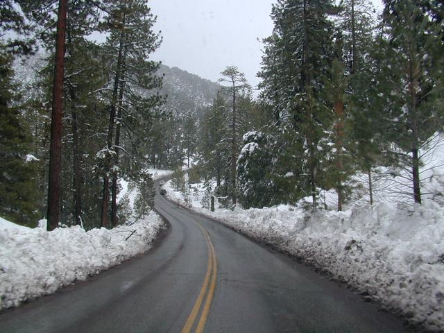 California Snow Play, California Sledding, Sierra Nevada ...