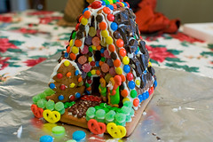 cake(0.0), play(0.0), cake decorating(0.0), birthday cake(0.0), sweetness(1.0), sprinkles(1.0), food(1.0), icing(1.0), dessert(1.0), snack food(1.0),