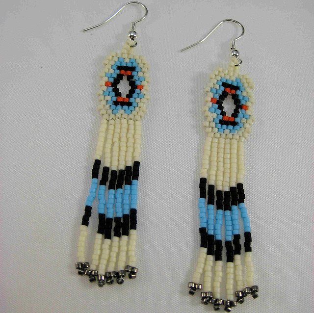 Native American Beaded Earring Designs http://www.flickr.com/photos/pcourneya/4257300403/
