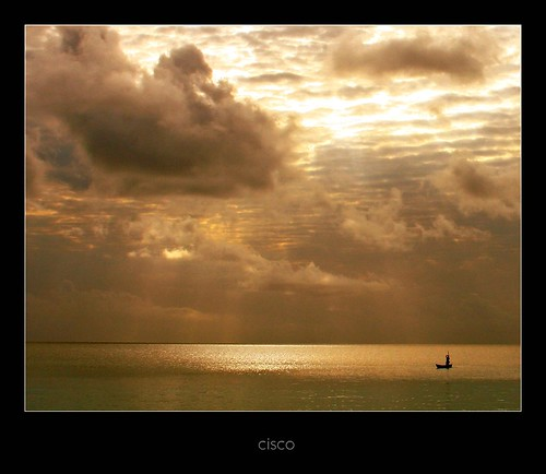 "sunset clouds tanzania gold boat nuvole indianocean cisco zanzibar oceanoindiano photographia ago2005 artofimages ""photographia"" saariysqualitypictures bestcapturesaoi kaskazini"