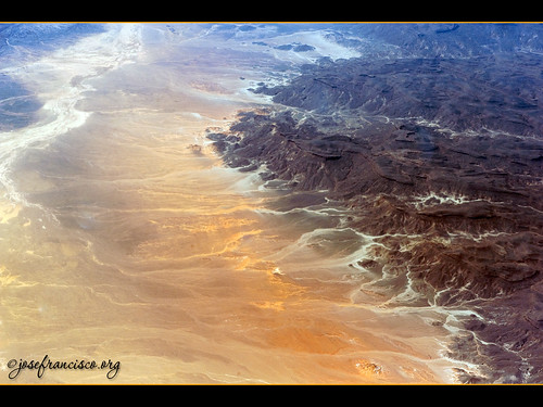 africa airplane algeria nikon desert desierto nikkor airborne avión d3 dz tamanrasset saharadesert 2470mmf28g tamanrassetprovince tassilinajjernationalpark klm597
