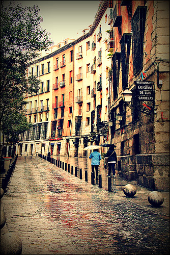 madrid streets rain buildings spain cities sincity worldbest theunforgettablepictures dragondaggerphoto dragondaggeraward saariysqualitypictures magicunicornverybest trolledproud imagofabulae