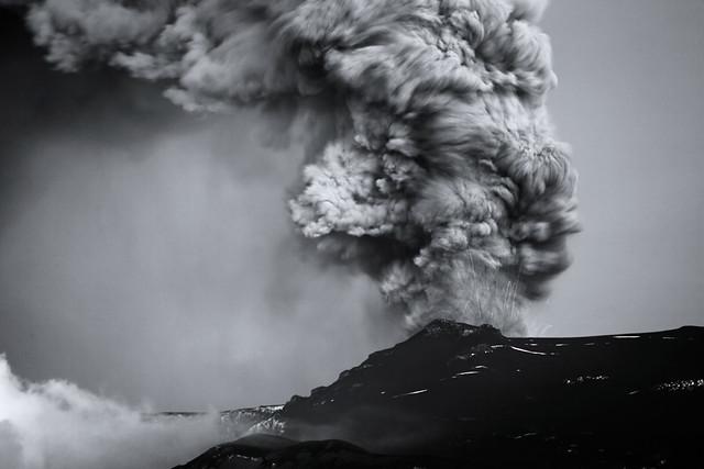 B/W eruption