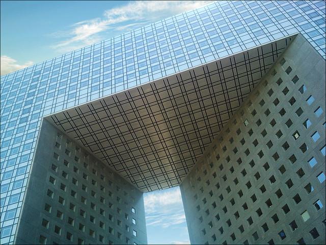 El Gran Arco de la Fraternidad, París.