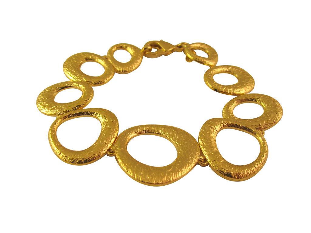 Gold-Circle-Bracelet-Opaleen