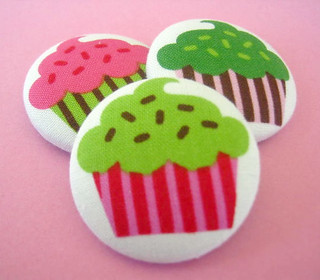 cupcake sewing buttons BlueManateeButtons (4)