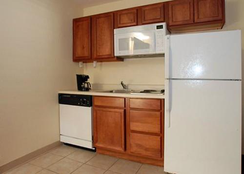 Quality Suites Tempe, AZ (480) 947-3711