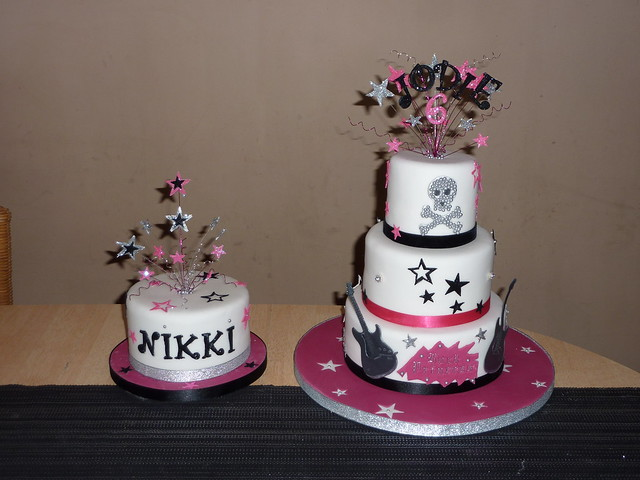 Rock Girl Birthday Cake http://www.flickr.com/photos/traceybestcakes/4321391899/