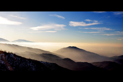 mountains fog sunrise landscape smog altitude bearmountain skiresort bigbearlake lakearrowhead sanbernardino catchycolorsblack