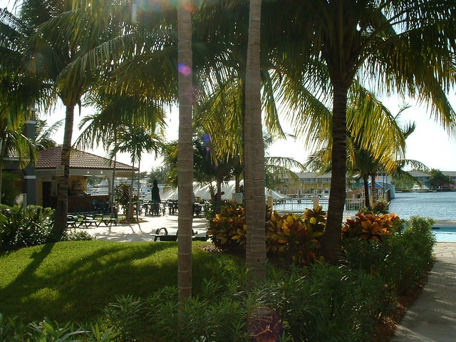 <p>Plenty of places in the hotel grounds to take refuge form the sun and enjoy the breeze off the water</p>
