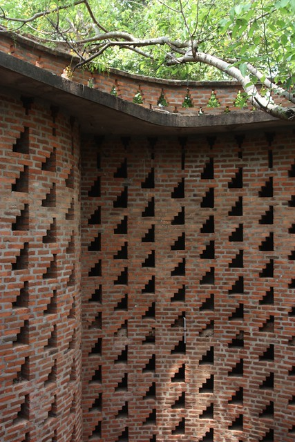 Perforated brick walls part 1 a gallery on flickr for Perforated brick wall