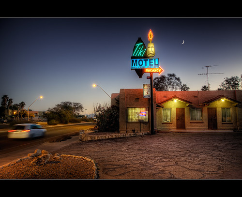 street blue moon architecture night canon twilight neon tucson dusk sigma motel lodge driveway photoraphy hour vehicle nik motor 1020mm tiki topaz photomatix htr pueblodeco pimacounty oracleroad dragondaggerphoto dragondaggeraward t1i thepinnaclehof tphofweek72
