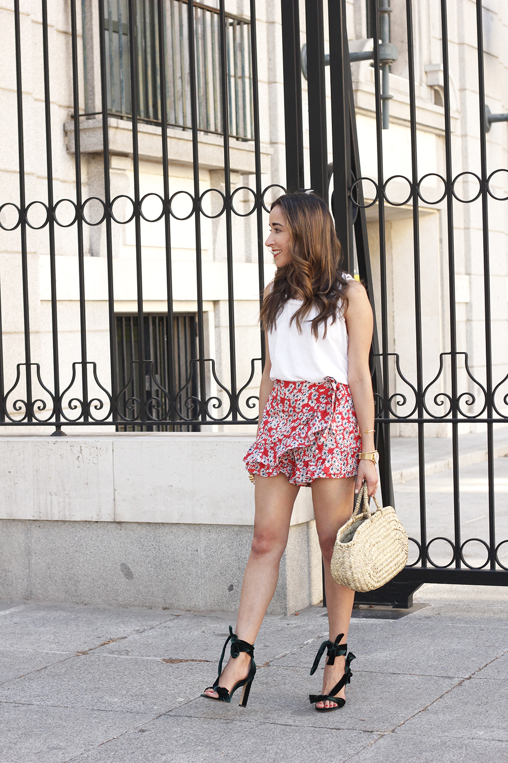 Velvet sandals floral skirt summer outfit style fashion08