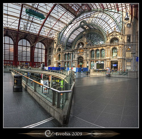 Antwerp Central station interior :: Vertorama
