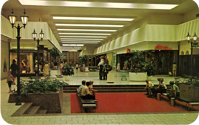 The latest Tweets from Woodland Mall (@WoodlandMall1). The only mall in West Michigan with Apple, Pottery Barn, Williams-Sonoma, the North Face, LUSH, Dry Goods & more! #woodlandmall to be featured. Grand Rapids, Michigan.