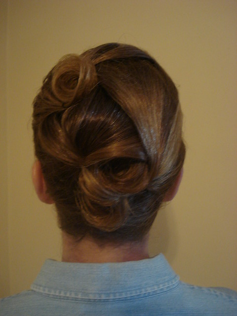 how to make a french twist with short hair
