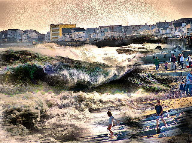 The Hampton beach waves from flickr user N04