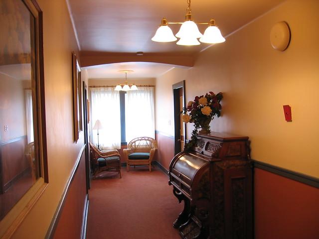 Helm S Inn Victoria Room Rates