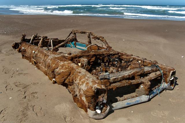 1964. Pontiac Bonneville Rusted Abandoned