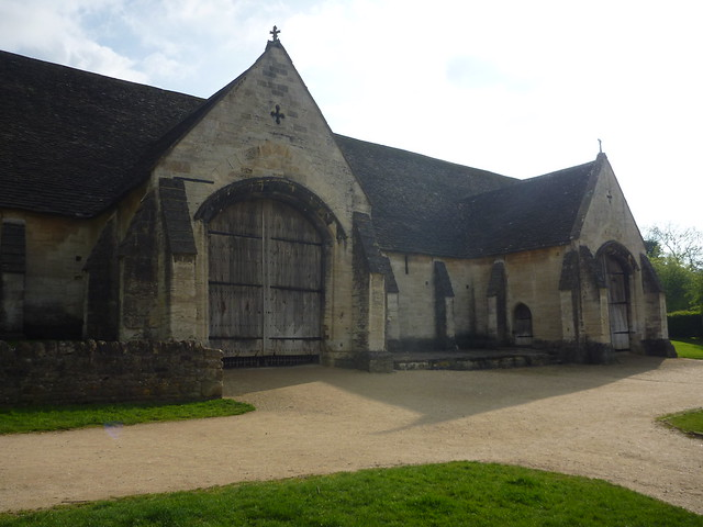 Tithe barn definition/meaning