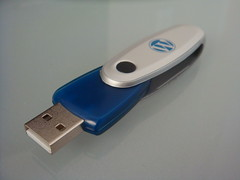 multimedia(0.0), electronic device(1.0), data storage device(1.0), usb flash drive(1.0),