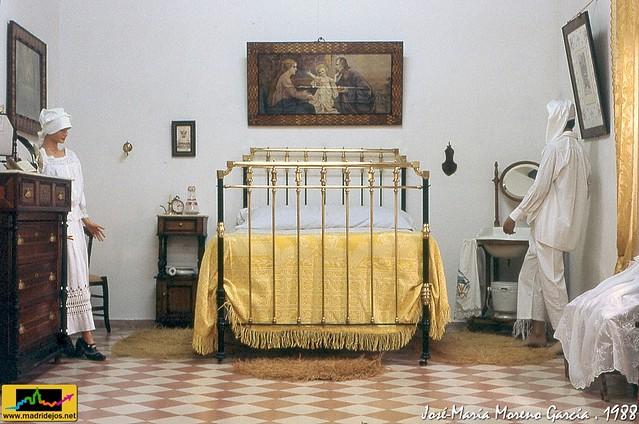 Utensilios muebles y ajuar para la casa exposici n 750 for Casa garcia muebles