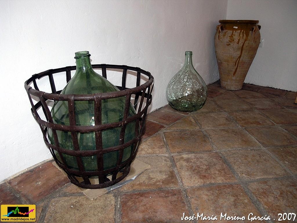 Utensilios muebles y ajuar para la casa museo etnogr fi for Casa garcia muebles