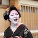 fun / day / girl / laugh / happy / smile : maiko (apprentice geisha) kyoto, japan / canon 7d 舞妓 佳つ奴さん