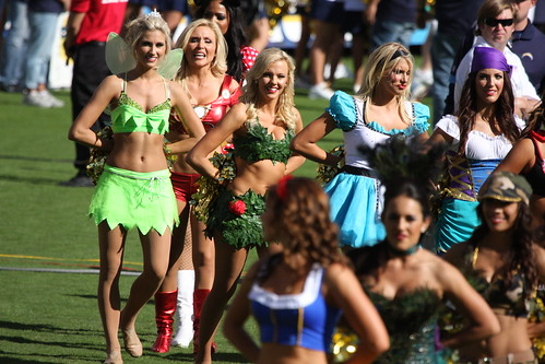 Halloween San Diego 20 of the best comic con 2015 costumes to pin for halloween inspo brit co San Diego Chargers