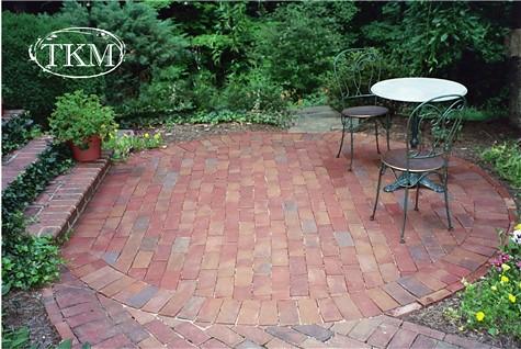 Drylaid Round Brick Patio