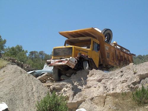 Camió Iveco amb bolquet a Eivissa