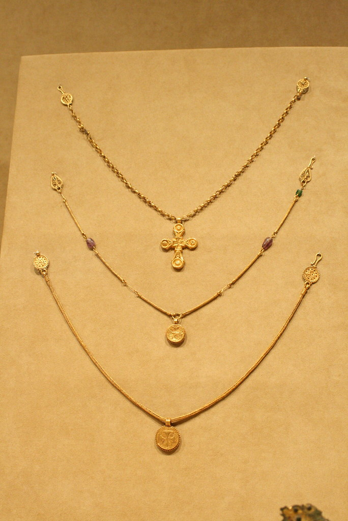 Gold Byzantine Jewelry | Roughly 750-600 B C  | Shelby Navone | Flickr