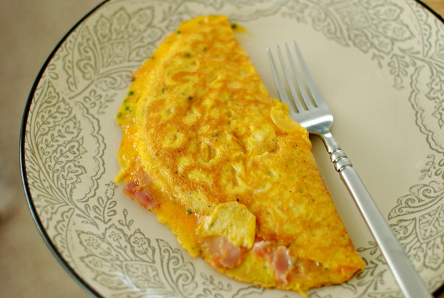 omelette | simple ham and cheese (cheddar) omelette with som ...
