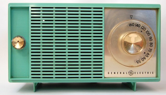 Vintage Turquoise General Electric Radio