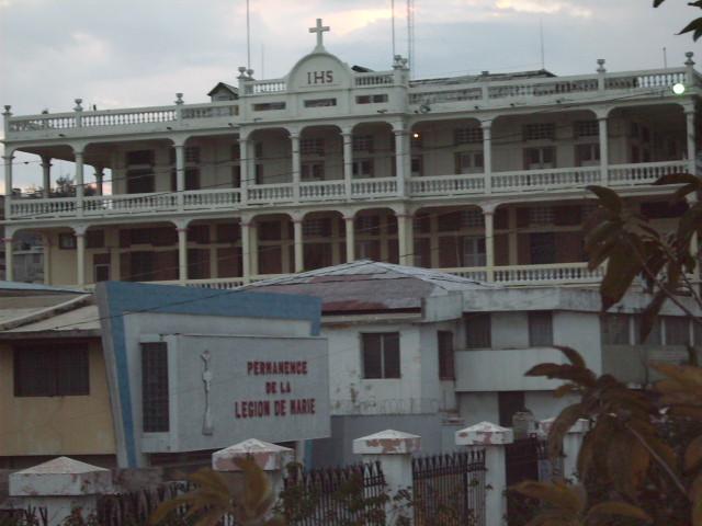 Haiti avant s isme l 39 archev ch de port au prince aujourd 39 hui disparu dans le tremblement de - Manifestation a port au prince aujourd hui ...