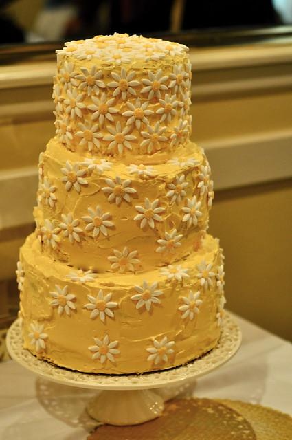Daisy Wedding Cake   Flickr - Photo Sharing!