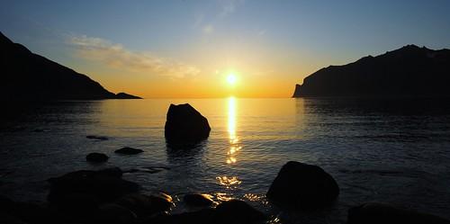 blue sunset sea sky sun seascape mountains colors yellow norway sunrise skyscape island golden norge rocks europe colours stones silhouettes norwegen noruega scandinavia norvegia senja troms noreg norvège norja noregur landofthemidnightsun