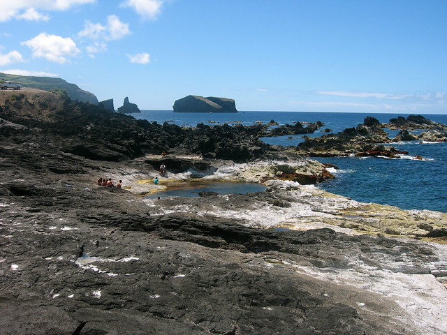 Piscinas naturales mosteiros sao miguel a ores by for Portugal piscinas naturales